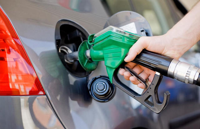 Gasoline consumption continues to decrease in Iran