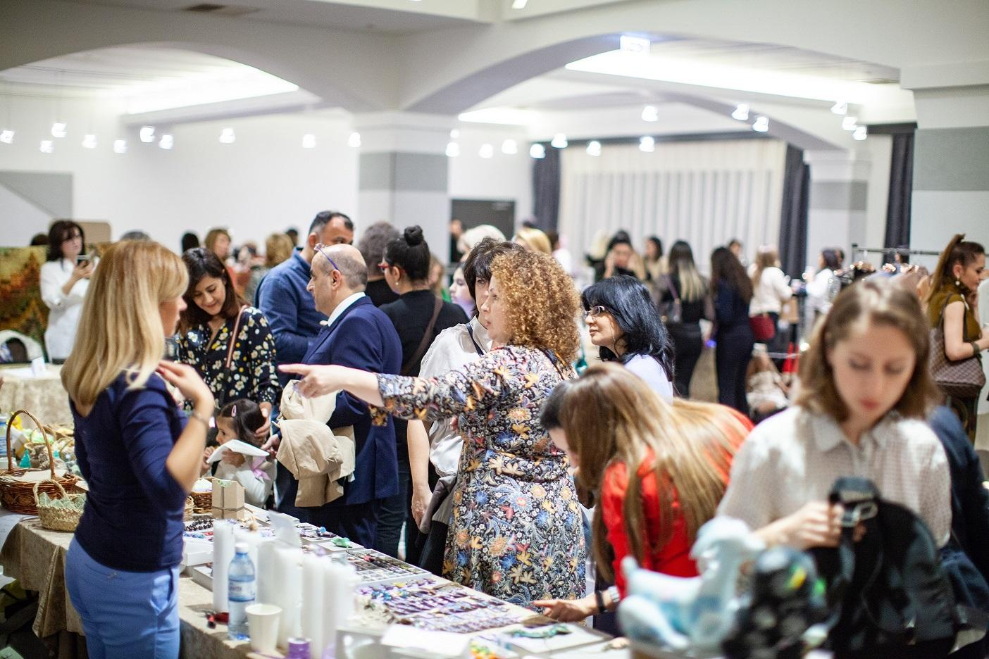 """3rd """"Arts, Crafts and Business"""" Trade Fair held in Baku (PHOTO) - Gallery Image"""