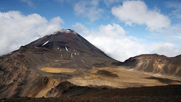 В Новой Зеландии около ста человек были у вулкана в момент извержения