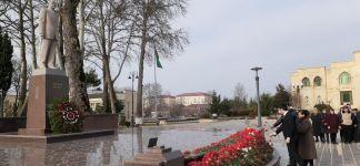 """Ulu öndərin xatirəsi """"Azərxalça""""nın filiallarında ehtiramla yad edilib (FOTO) - Gallery Thumbnail"""