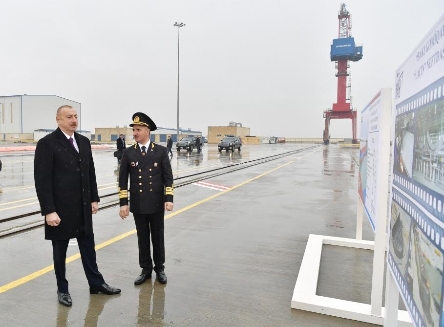Президент Ильхам Алиев принял участие в сдаче в эксплуатацию первого танкера, построенного на Бакинском судостроительном заводе (ФОТО) - Gallery Image