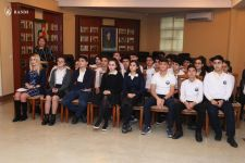Elmar Gasimov meets with students of Lyceum named after Academician Zarifa Aliyeva (PHOTO) - Gallery Thumbnail