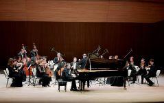 В Центре Гейдара Алиева состоялся концерт Московского камерного оркестра Musica Viva (ФОТО/ВИДЕО) - Gallery Thumbnail