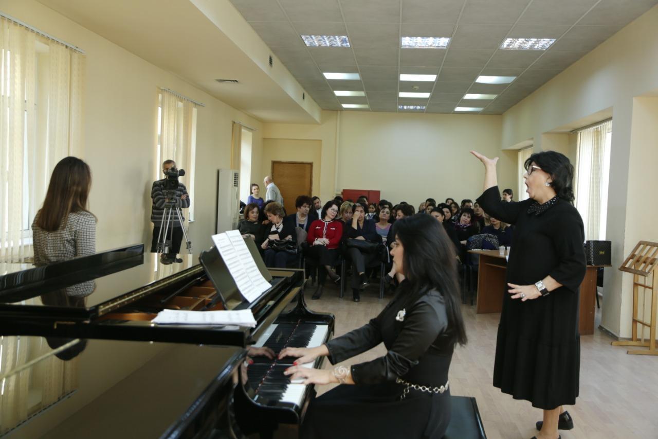 Народная артистка СССР провела мастер-класс для азербайджанской молодежи (ФОТО)