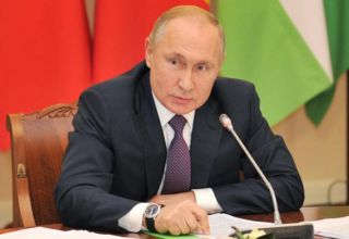 Putin meets RSC members to discuss Russian peacekeepers' activities in Karabakh