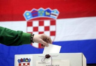 Croats vote to elect new president from candidates of two biggest parties