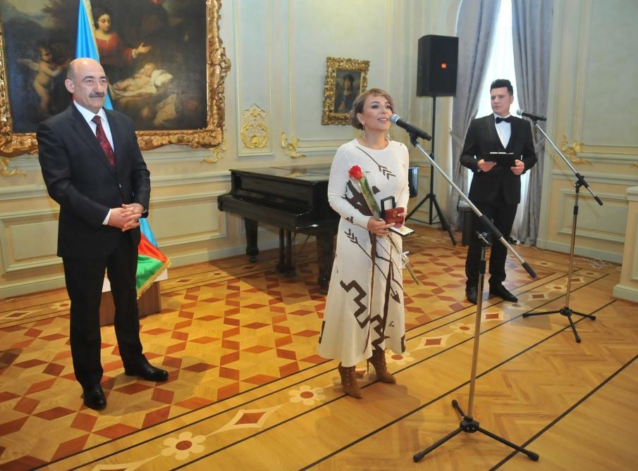 Азербайджанским звездам и деятелям культуры вручены государственные награды (ФОТО) - Gallery Image