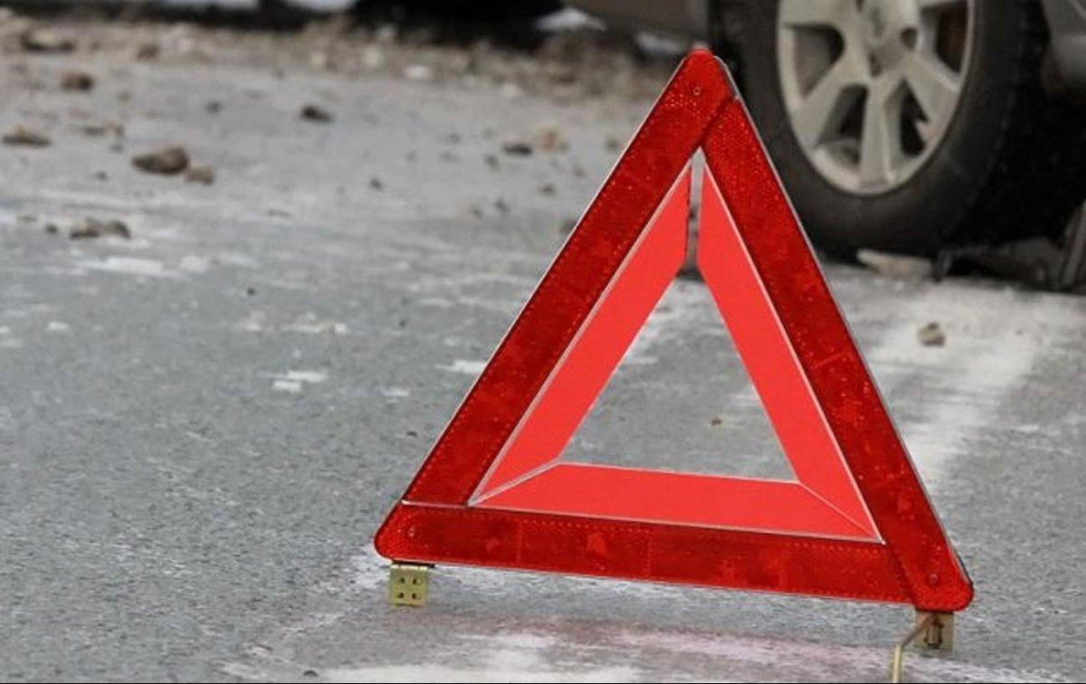 """Salyanda """"Toyota""""nı aşıran sürücü hadisə yerində öldü"""