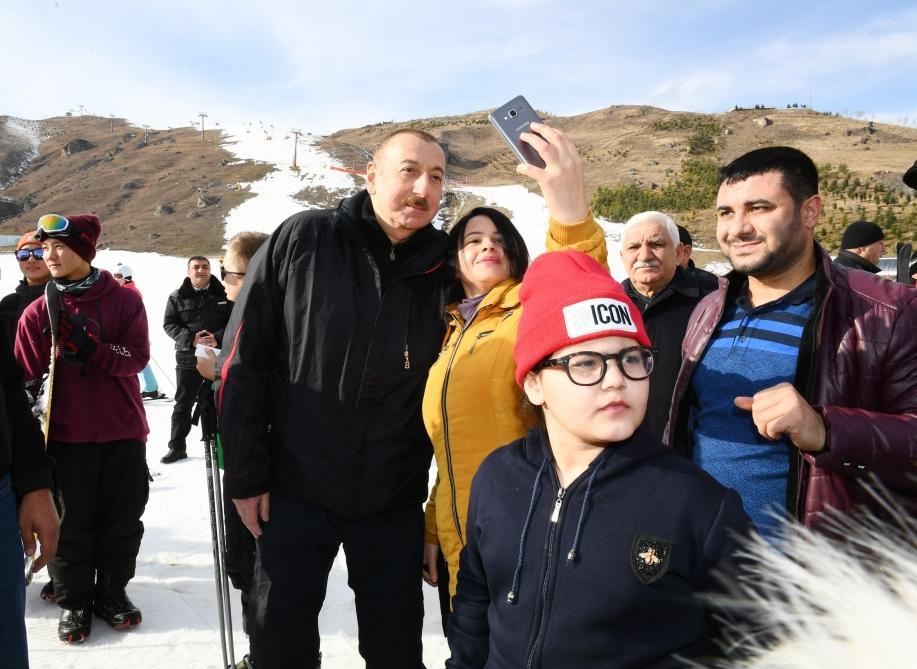 Президент Ильхам Алиев и Первая леди Мехрибан Алиева ознакомились с работами, проведенными в туристическом центре «Шахдаг» (ФОТО/ВИДЕО) - Gallery Image