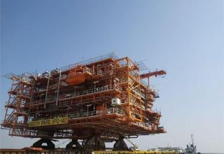 Last platform of Iran-Qatar joint South Pars gas field to be sent to 14th phase