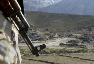 Syrian rebels attack army outposts in southern Syria
