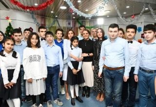 First Vice-President Mehriban Aliyeva attends New Year party arranged at Rehabilitation Center for children with autism spectrum disorder (PHOTO)