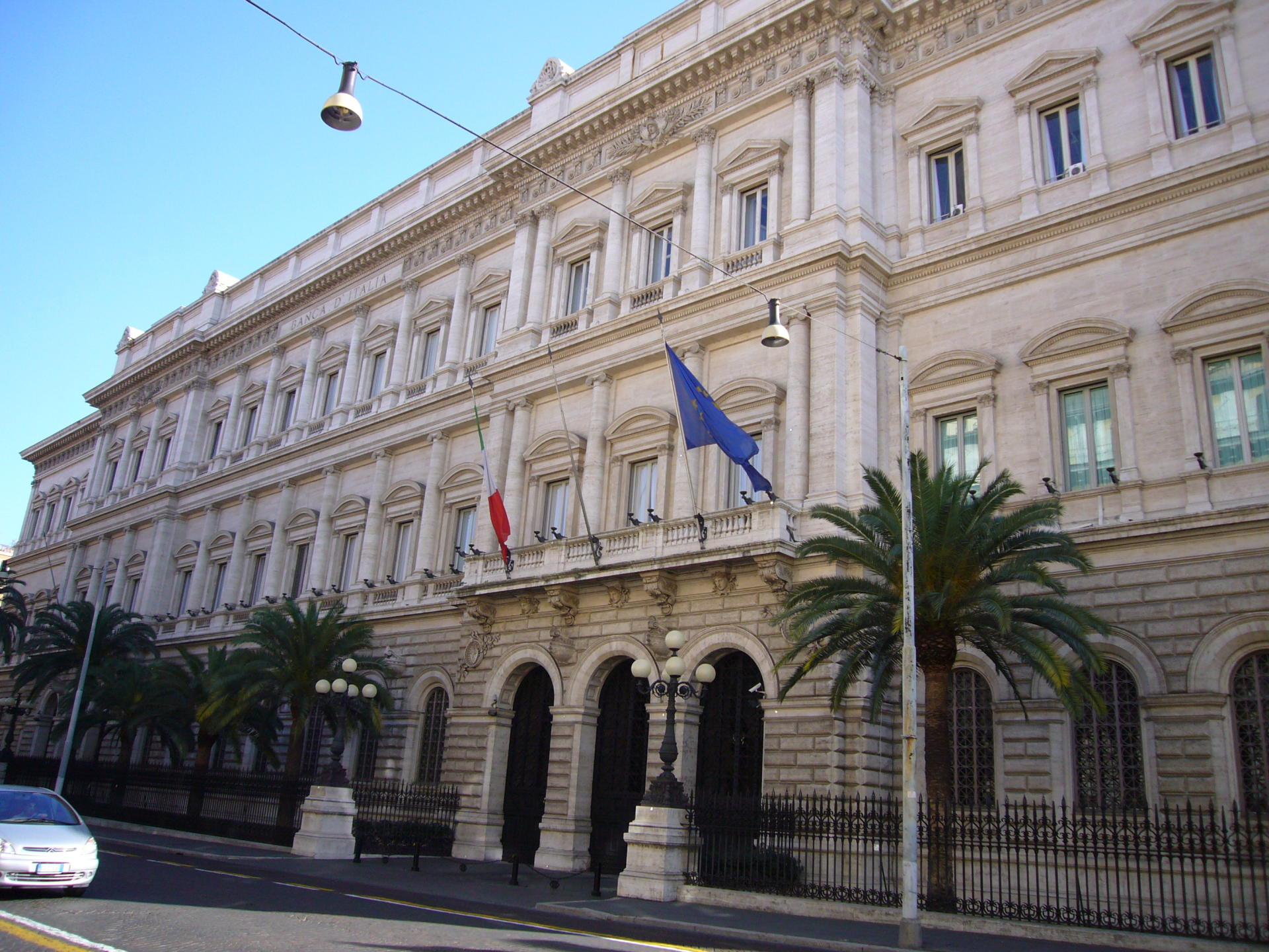 Bank of Italy lowers 2020 GDP forecast to -9.5%