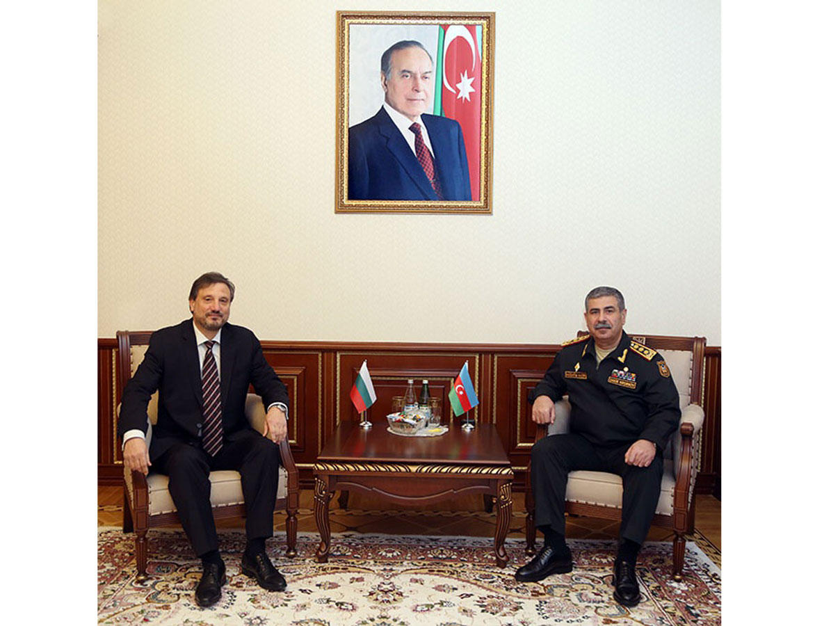 Azerbaijan, Bulgaria mull prospects for dev't of military co-op
