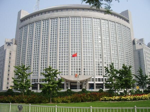 МИД КНР вызвал посла США и выразил ему протест в связи с законом о санкциях против Китая
