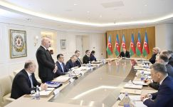 President Ilham Aliyev chairs meeting on results of 2019 (PHOTO) - Gallery Thumbnail