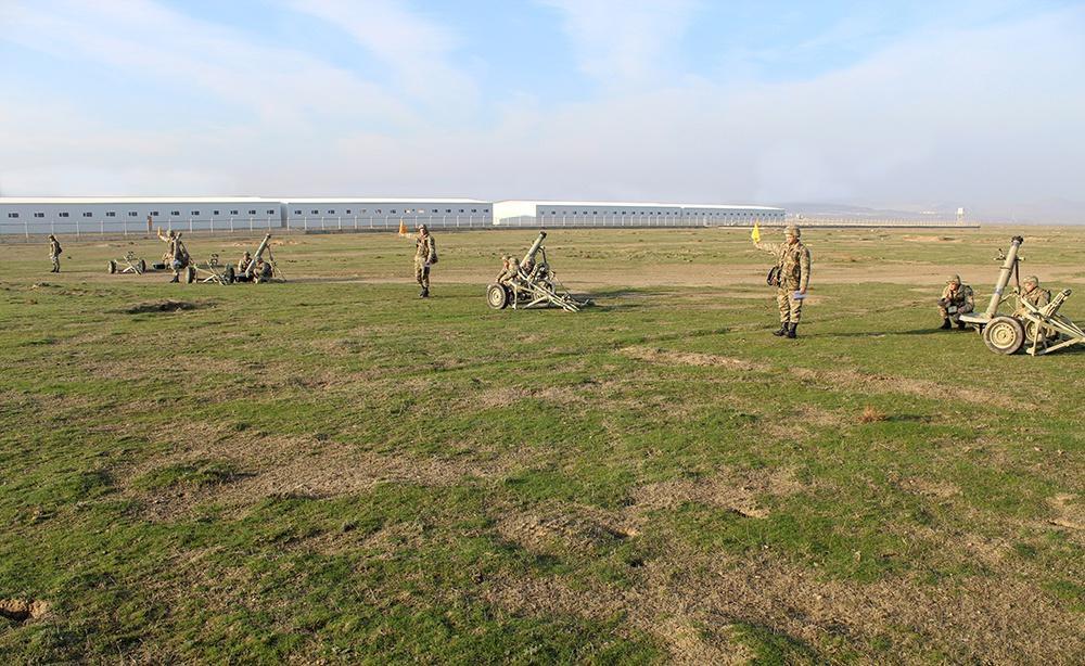 Проводятся сборы командиров батальонов азербайджанской армии (ФОТО) - Gallery Image