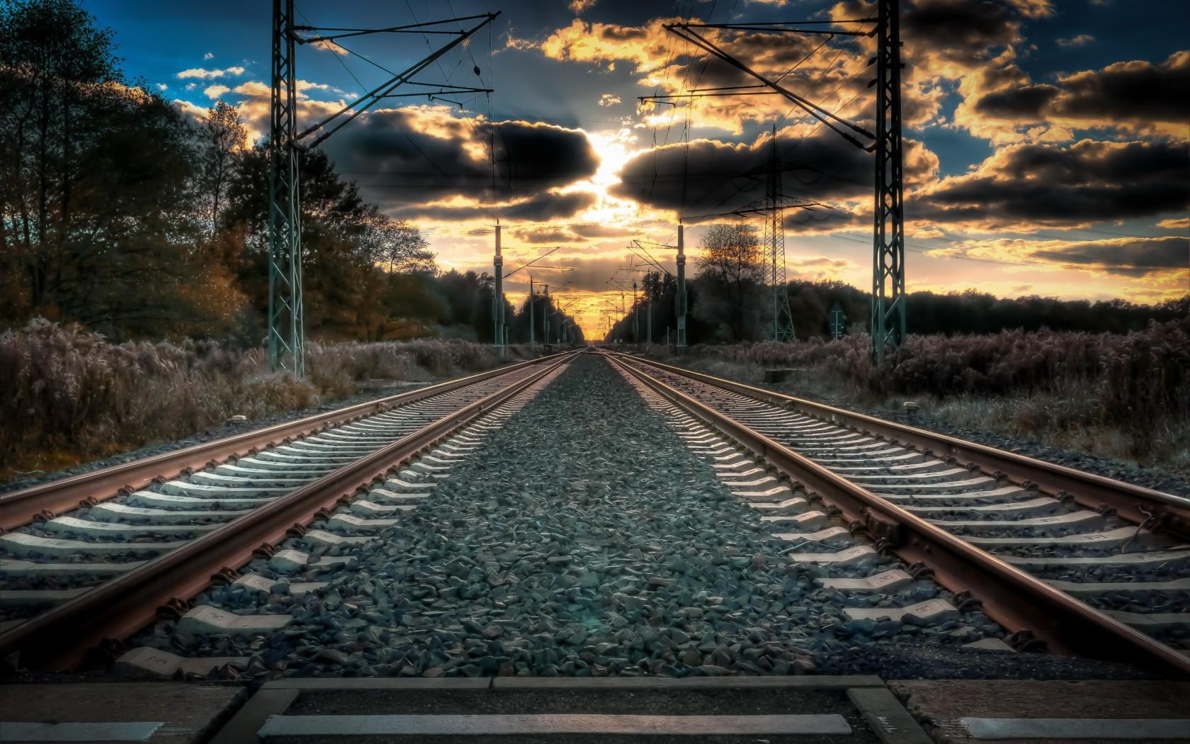 Iran to boost ties with Turkmenistan to complete Inche boron railroad