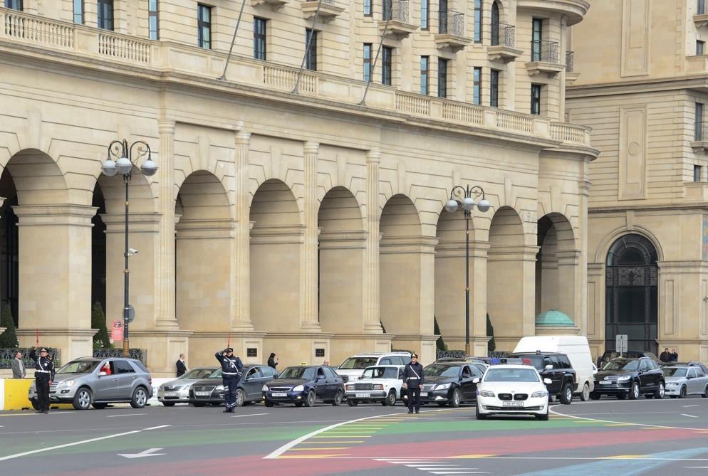 Azerbaijan holds minute of silence to honor January 20 victims (PHOTO)
