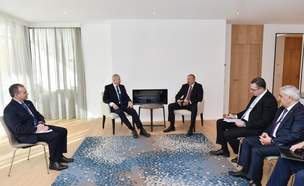Azerbaijani president meets with BP Chief Executive Officer in Davos (PHOTO) - Gallery Image