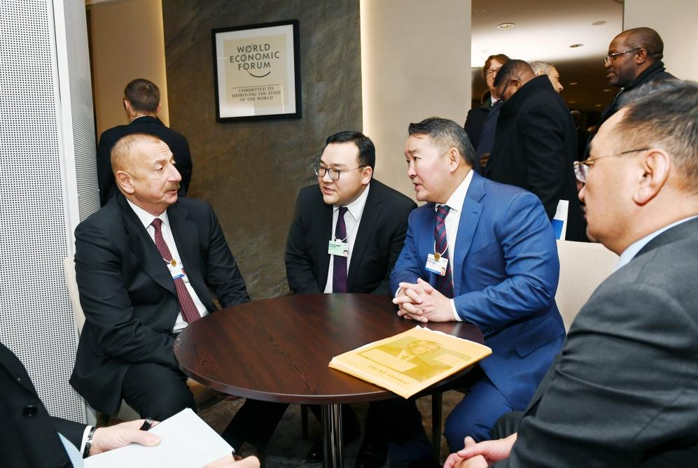 Azerbaijani president meets with Mongolian president in Davos (PHOTO) - Gallery Image