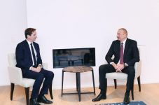 President Ilham Aliyev meets Chief Executive Officer of SUEZ Group (PHOTO) - Gallery Thumbnail