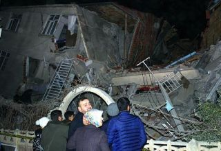 Zarif sympathizes with Turkey over deadly quake