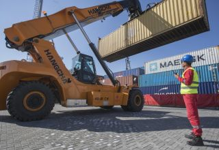 Baku Port reaches new record in container transshipment
