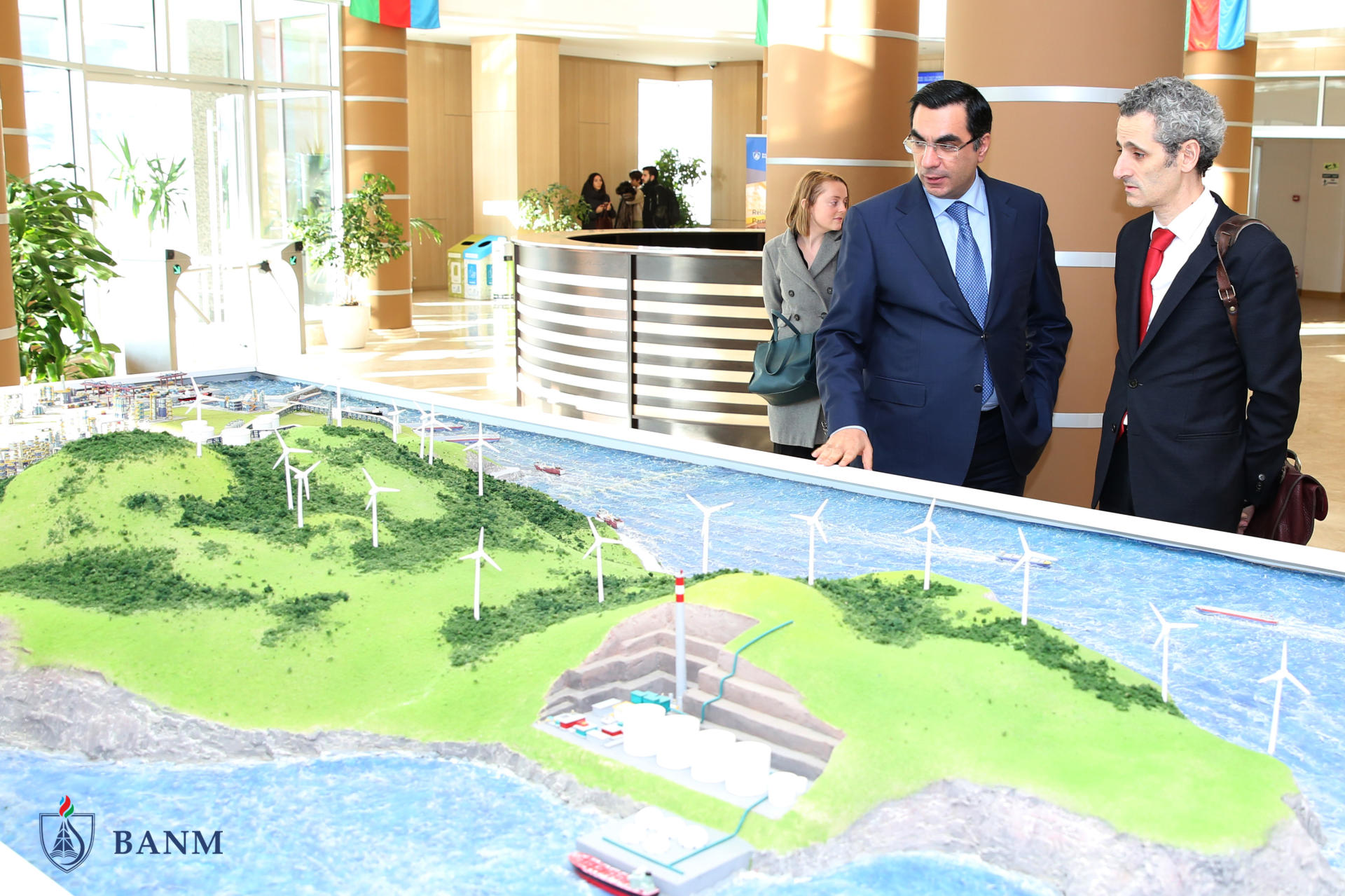 New ambassador of France visits Baku Higher Oil School (PHOTO) - Gallery Image