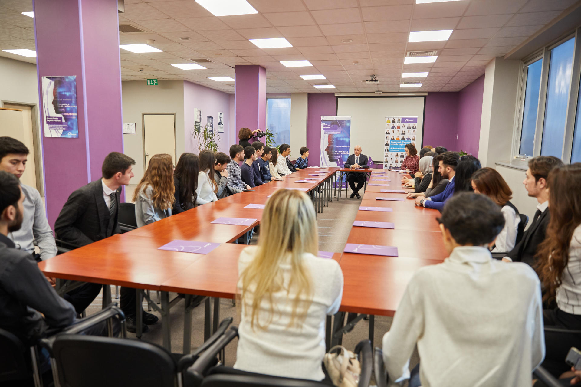 """28 students awarded honorary title of """"Azercell's  Scholars"""" (PHOTO)"""