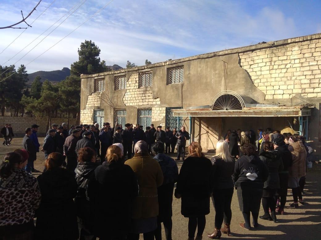 Deputatlığa namizəd Arzu Nağıyev Tovuzun bir sıra kəndlərinin sakinləri ilə görüşüb (FOTO) - Gallery Image