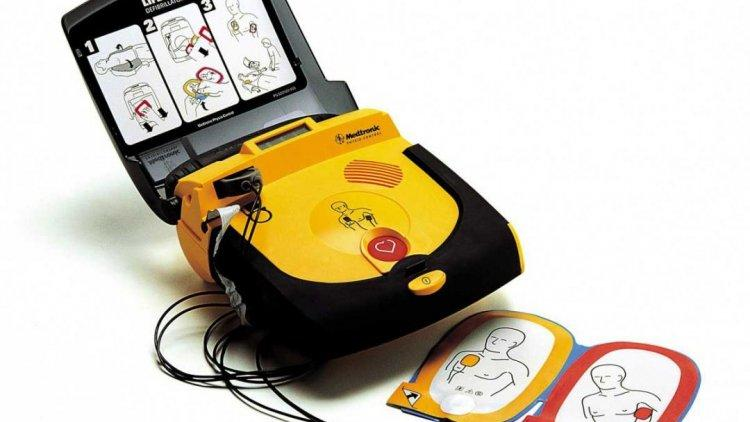 Iran manufactures first domestic manual defibrillator