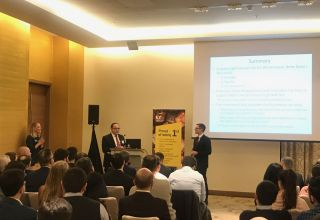 Chicago Booth organizes master-class in Baku with support of EY Azerbaijan