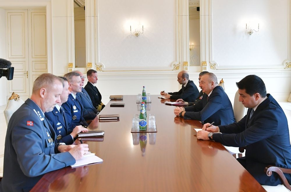 President Ilham Aliyev receives delegation led by NATO Supreme Allied Commander Europe (PHOTO) - Gallery Image