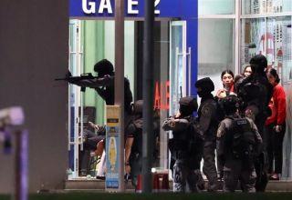 Tailandda 20 nəfəri qətlə yetirən silahlı hələdə ticarət mərkəzində ola bilər (ƏLAVƏ OLUNUB)