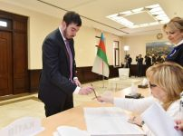 President Ilham Aliyev, First Lady Mehriban Aliyeva vote at parliamentary elections (PHOTO/VIDEO) - Gallery Thumbnail