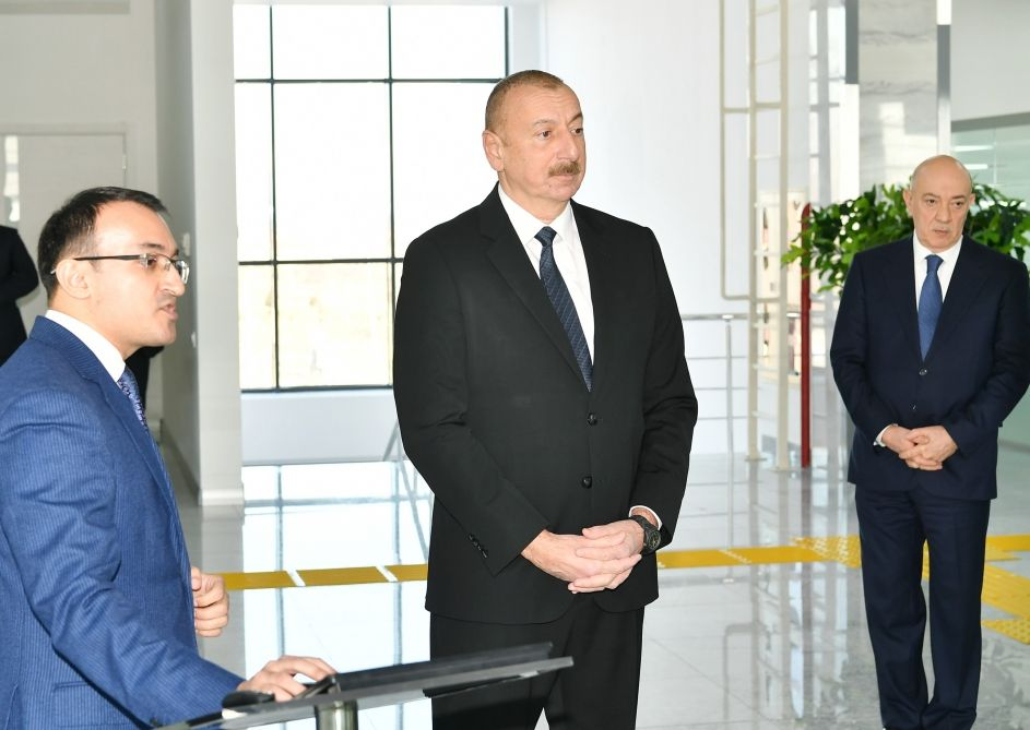 Президент Ильхам Алиев принял участие в церемонии открытия центра ASAN xidmət в Кюрдамире (ФОТО) - Gallery Image