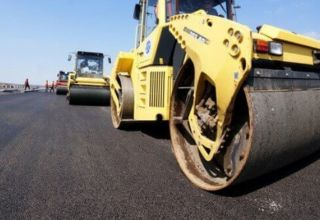 Second asphalt layer of Ashgabat-Turkmenabat highway being laid