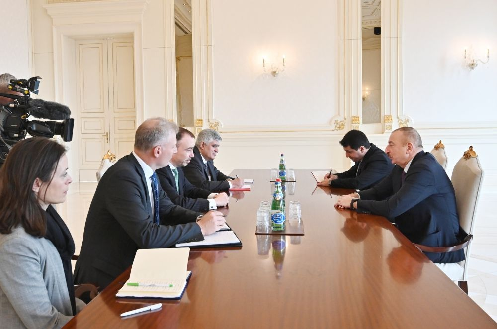 President Ilham Aliyev receives delegation led by EU Special Representative (PHOTO) - Gallery Image