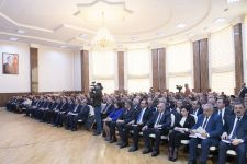 Minister: Azerbaijan renders comprehensive support to cocoon production - Gallery Thumbnail