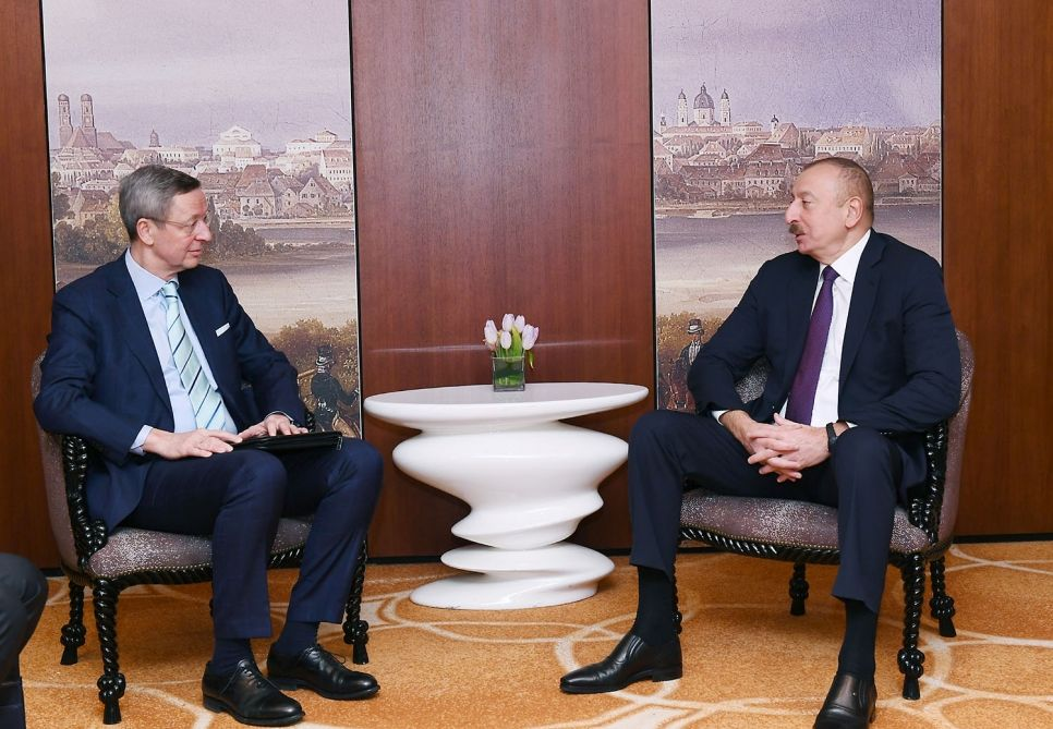 Ilham Aliyev meets with head of South Caucasus working group of German Eastern Business Association (PHOTO) - Gallery Image