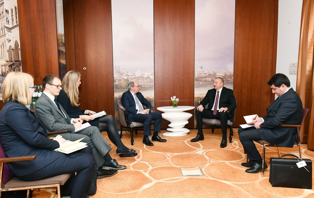 President Ilham Aliyev meets World Bank Managing Director in Munich (PHOTO) - Gallery Image