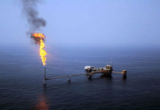 Iran hands over project related to oil field to Petropars company