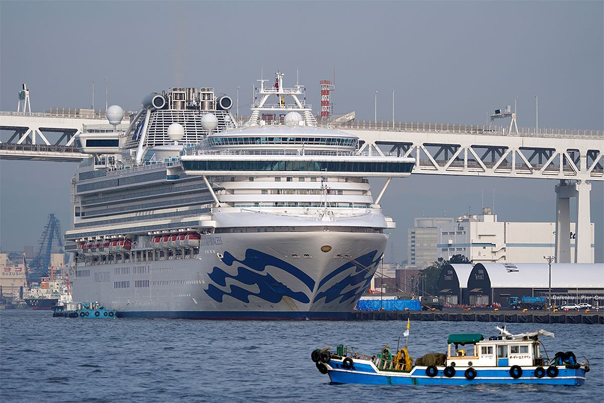 British passengers from virus-hit cruise ship due to arrive home