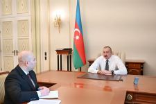 President Ilham Aliyev receives chairman of Board of Baku Transport Agency (PHOTO/VIDEO) - Gallery Thumbnail