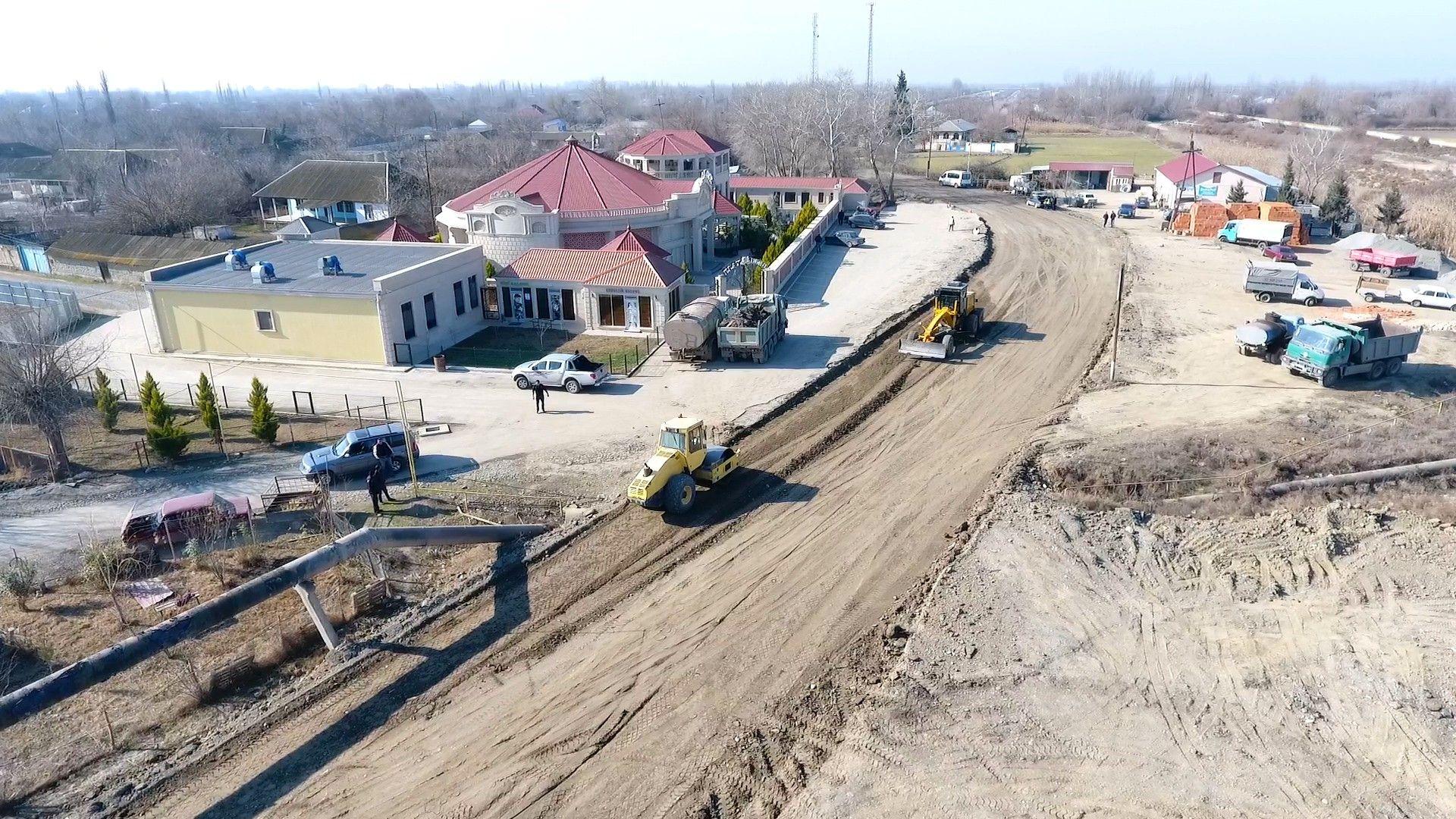 Начата реконструкция дороги между Кюрдамирским и Зардабским районами (ФОТО) - Gallery Image