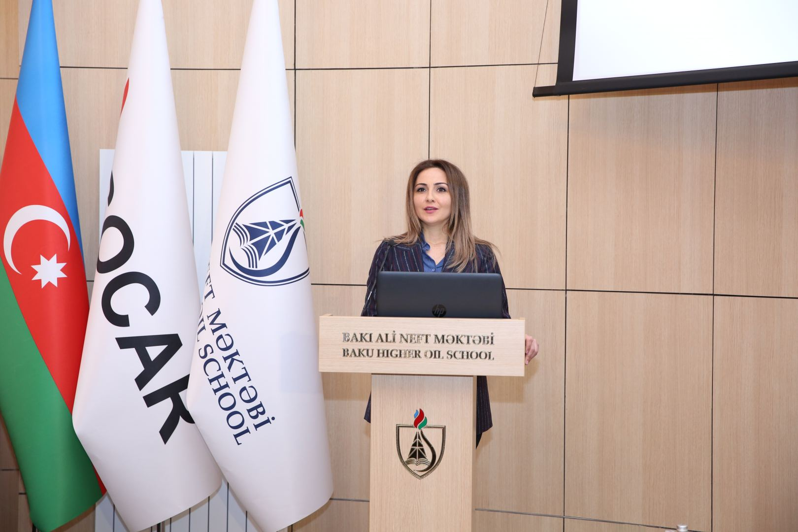 Baku Higher Oil School holds discussions on topic 'Women and Engineering' (PHOTO)