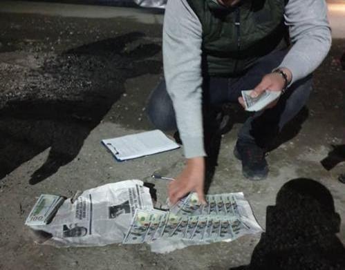 В Кыргызстане задержана преступная группа сбывающая поддельные доллары