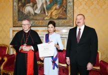 First Vice-President Mehriban Aliyeva awarded highest Papal Order of Knighthood in Vatican (PHOTO) - Gallery Thumbnail