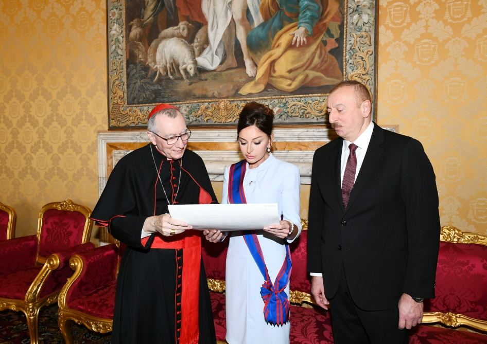 First Vice-President Mehriban Aliyeva awarded highest Papal Order of Knighthood in Vatican (PHOTO) - Gallery Image